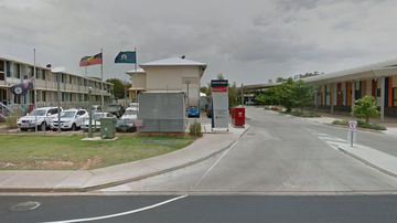 Hospital staff told to stop speaking in foreign language