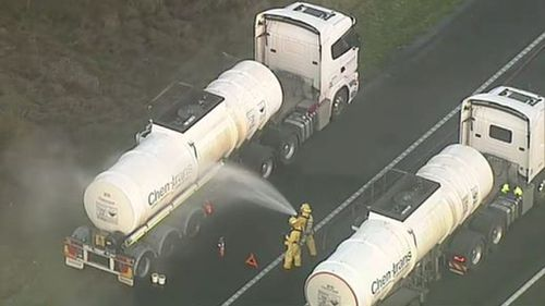 Truck leaks hydrochloric acid on Calder Freeway