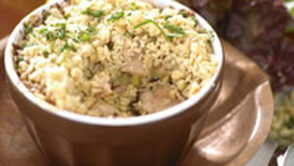 Chicken and leek bake with oat topping