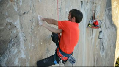 Tommy Caldwell (left) and Kevin Jorgeson spent 19 days free climbing up the treacherous El Capitan rock. (9NEWS)