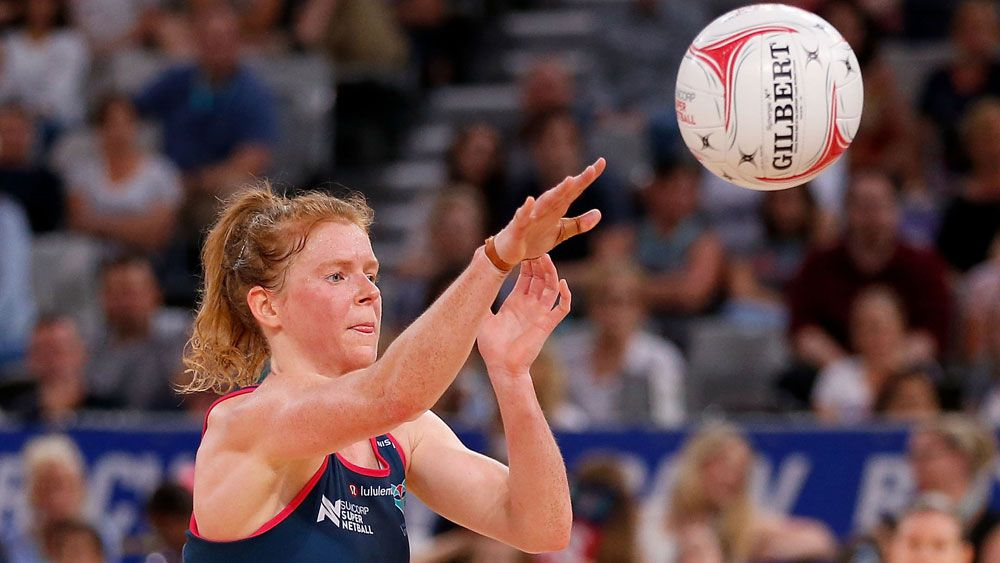Melbourne Vixens dominate NSW Swifts from start to finish in Super Netball