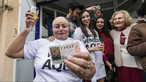 Spanish Fat One lottery pays out $2.7b in prizes in Christmas draw