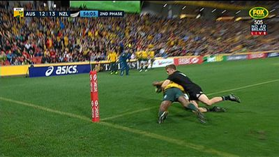 Wallabies snap Bledisloe losing streak defeating All Blacks 23-18 at Suncorp Stadium