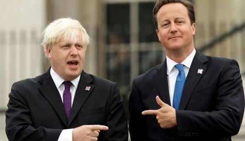 Boris Johnson and former UK prime minister David Cameron. (Photo: AP).