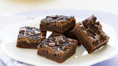 "<a href=""http://kitchen.nine.com.au/2016/05/13/12/03/chocolate-brownies"" target=""_top"">Chocolate chip brownies</a>"