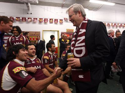 Thurston celebrates with Kevin Rudd after clinching 2008 decider