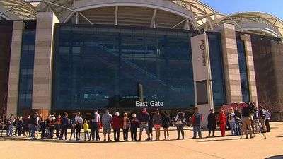 A circle of supporters outside Adelaide Oval. (9NEWS)