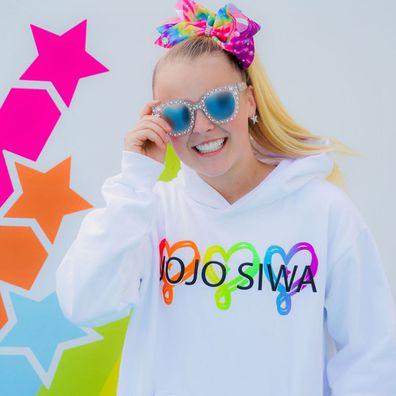 JoJo Siwa, Instagram, selfie, merchandise