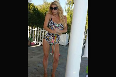 Can you believe she's given birth to two babies?! Jessica Simpson is looking great.<br/><br/>(Image: Twitter)