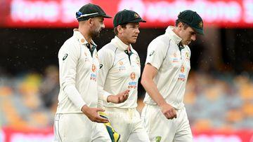 'Naive' call questioned as rain halts Aussies