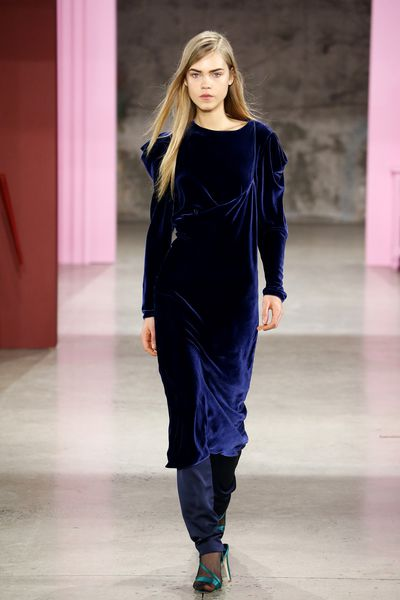 <p>Navy is always a winter staple, a classic colour choice that never goes out of style. Say hello to Navy Peony.</p> <p>Tibi, A/W 17.</p>