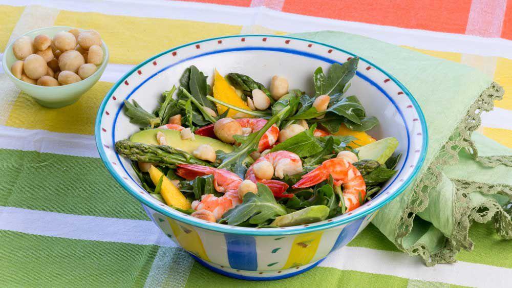 Macadamia moment prawn salad
