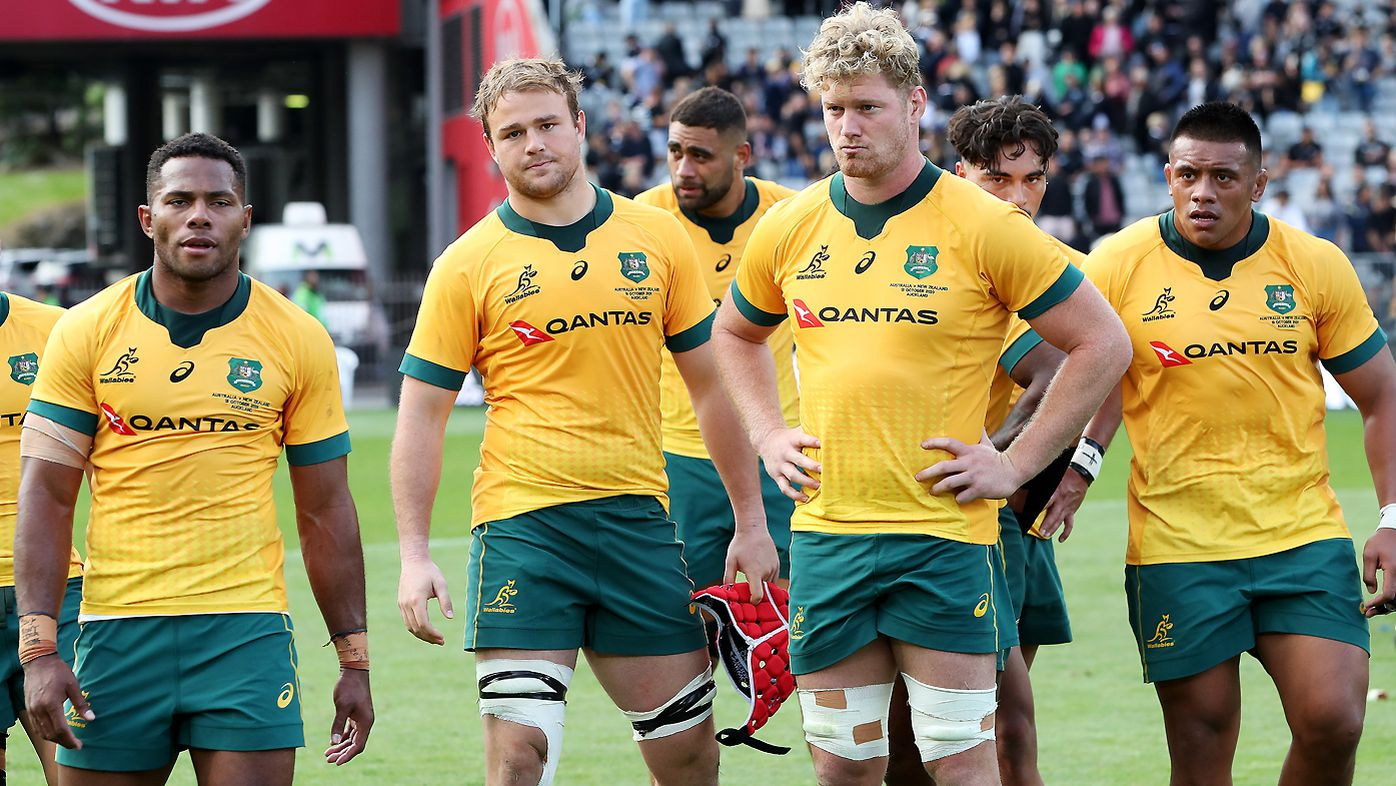 Wallabies players look dejected after losing the Bledisloe Cup