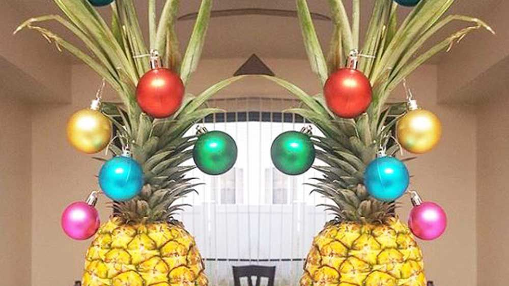Pineapple Christmas tree trend