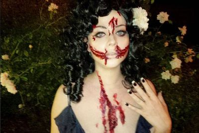 Whoa! Michelle is one of the only celebs who isn't afraid of getting scary. <br/><br/>@michelletrachtenberg: #Halloween festivities have begun. #BlackDahlia #ThisIsHalloween