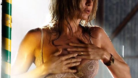 Jennifer Aniston loves being 'naked' at home - even when she's cooking