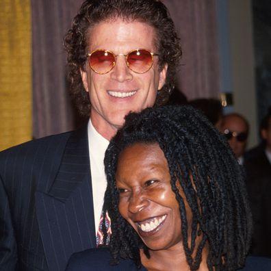 Ted Danson e Whoopi Goldberg namoraram por alguns anos