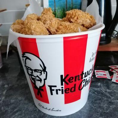Aussie mum reveals how she turned Coles mud cakes into 'KFC bucket of chicken' dessert
