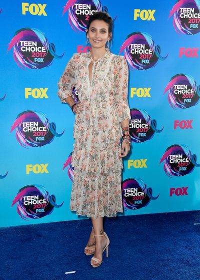 <p>Win </p> <p>Paris Jackson in Zimmermann at the 2017 Teen Choice Awards, LA</p> <p>Covering up can be cool.</p>