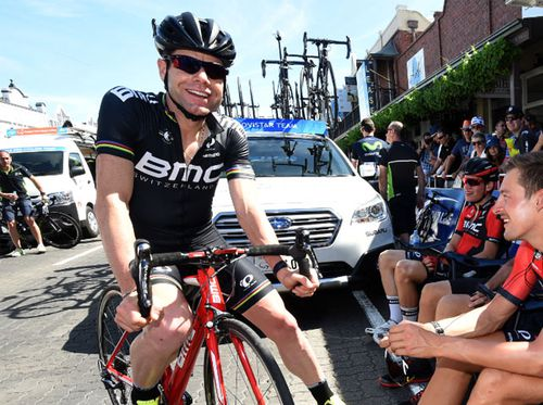 Cadel Evans finds Sydney too intimidating for cycling