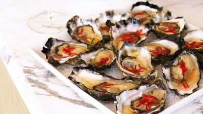 "<a href=""http://kitchen.nine.com.au/2016/05/16/19/18/oysters-with-lime-dressing"" target=""_top"">Oysters with lime dressing</a>"