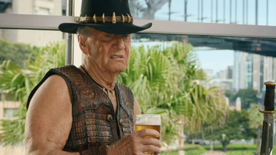Paul Hogan plays himself as he struggles with his 'Dundee' fame.