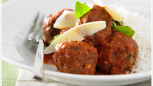 Meatballs in tomato sugo