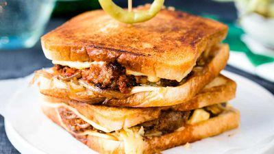 "Recipe: <a href=""https://kitchen.nine.com.au/recipes/nduja-patty-melt-recipe/d48500b1-3bf4-4e70-89fa-556854bb18d6"" target=""_top"">Beef patty and blue cheese melt</a>"