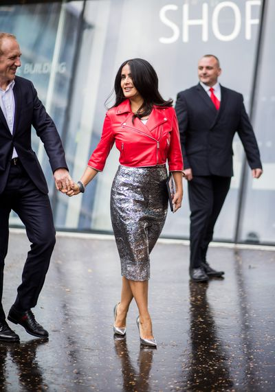 <p>London Fashion Week is in full swing and the shows have been so hot they've positively sizzled.</p> <p>Same goes for the models who sashayed their way down the runways and also, the it crowd who were out in force. But nobody turned more heads than Salma Hayek who was electrifying in a red leather biker jacket teamed with a shimmering silver pencil skirt and towering heels.</p> <p>Sure, the woman is 51 years old and a wife and mother but who cares. Certainly not Salma herself who strutted down the sidewalk like she owned the joint and frankly, if you ask us, she did.</p> <p>Scroll through for more images of fashion's it girls, models, stylists, bloggers and random strangers who just happened to step out in the coolest gear we've seen in some time.</p>