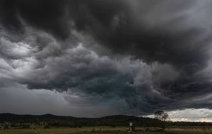 Wild end to the week as chaotic storms lash NSW