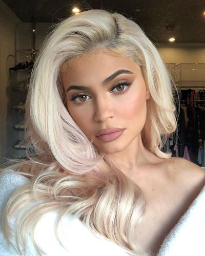 Kylie's latest look is a glam blonde-bombshell do