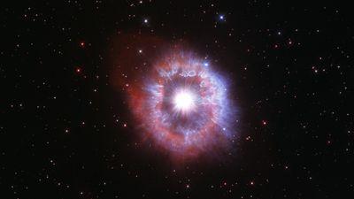 NASA's Hubble telescope has captured a giant star on the edge of destruction.