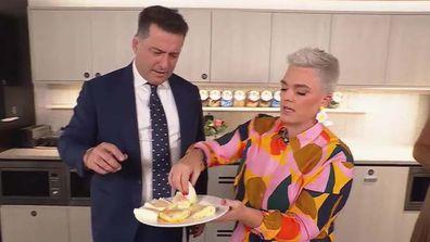 Karl Stefanovic and Jane de Graaff do the TikTok egg parcel hack