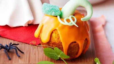 "Recipe:&nbsp;<a href=""http://kitchen.nine.com.au/2016/05/16/15/02/pumpkin-cakes"" target=""_top"">Pumpkin cakes</a>"