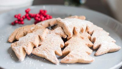 "Recipe: <a href=""https://kitchen.nine.com.au/2017/12/19/20/27/oat-raspberry-and-coconut-christmas-tree-cookies"" target=""_top"">Sugar and dairy free oat raspberry coconut Christmas cookies</a>"