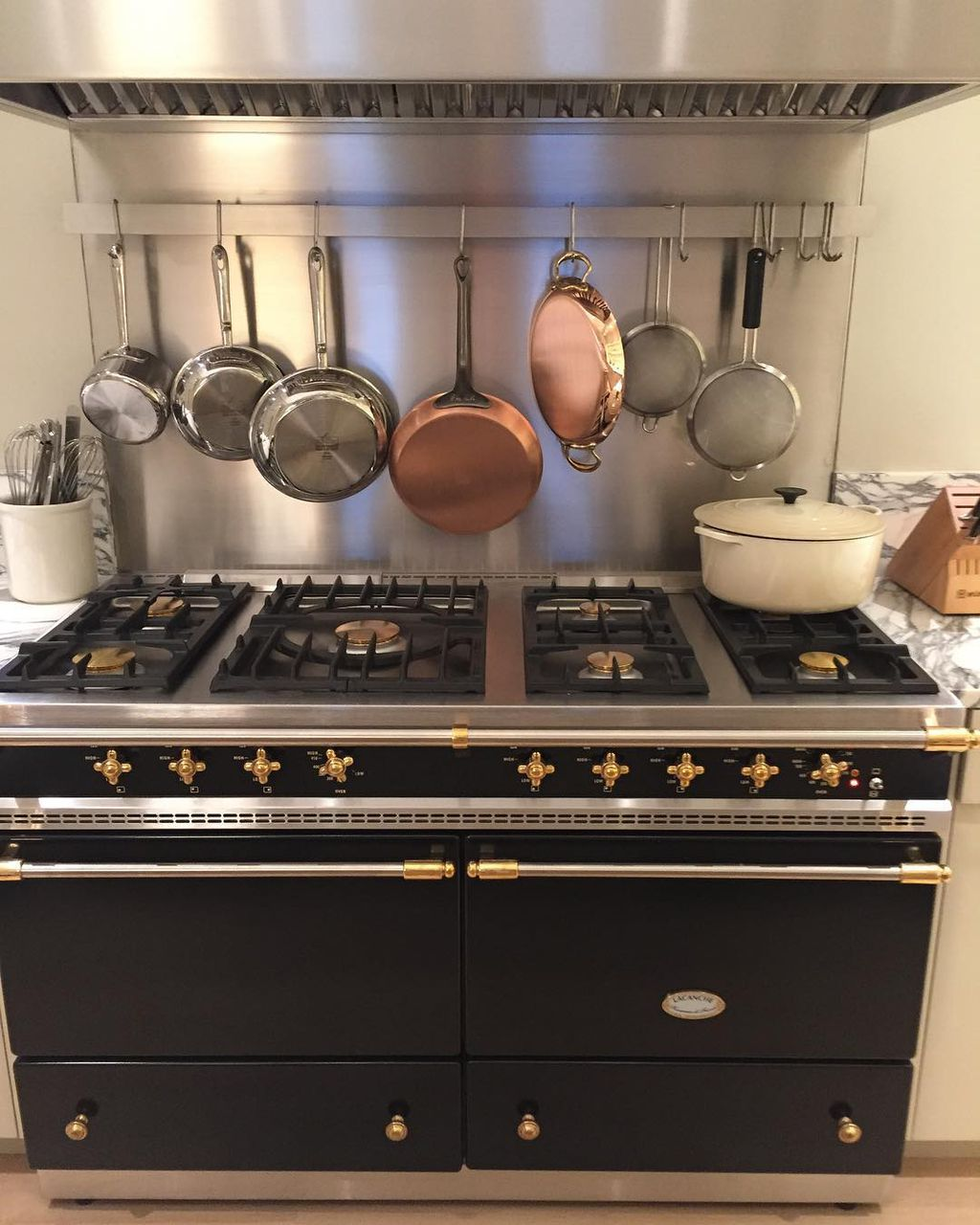 Ina Garten drops $19,000 on custom-built oven for her NYC apartment