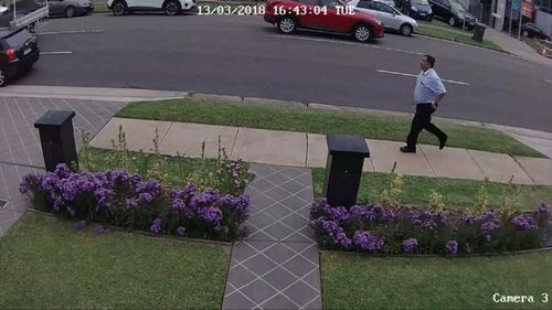 Security vision shows the doctor running down the street to reach Shanae. (Supplied)