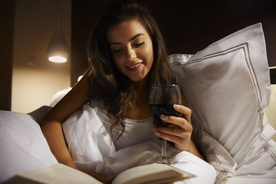 Avoid cigarettes and alcohol before bedtime