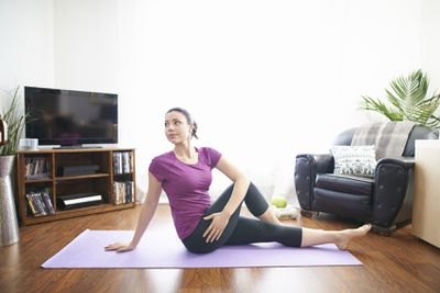 <strong>Half twist hip stretch</strong>