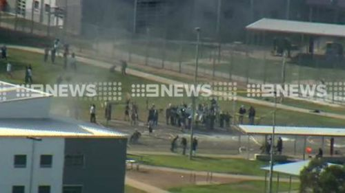 Prisoners rioting at the Metropolitan Remand Centre in Ravenhall, Victoria, over a smoking ban. (9NEWS)