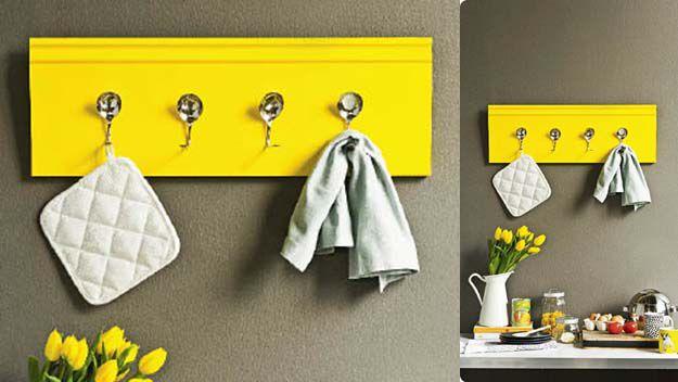 Handy Woman: Kitchen hooks