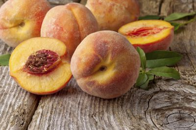 <strong>12. Peaches</strong>