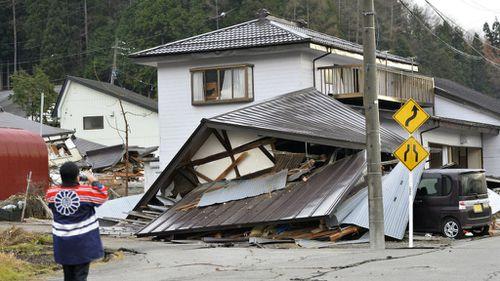 6.2 magnitude earthquake hits central Japan, flattens houses