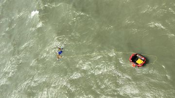 Men winched to safety in dramatic boat rescue