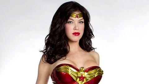 "First pics: Wonder Woman's ""fabulous"" new costume"
