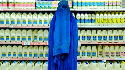 """<p>As Pauline Hanson calls for a plebiscite to """"Ban The Burqa"""", photographer Fabian Muir's <a href=""""http://www.fabianmuir.com/urban-burqa"""" target=""""_blank"""" draggable=""""false"""">Urban Burqa</a> series is even more poignant.</p> <p>&nbsp;</p> <p>The Australian artist tells <em>9Honey</em>, he hopes people look beyond the initial image.</p> <p>&nbsp;</p> <p>""""It's frustrating, people taking away the most superficial impression,"""" he says.</p> <p>&nbsp;</p> <p>""""For those willing to take the time, hopefully they reveal more and more layers as you engage your brain sufficiently to really contemplate what the picture might be trying to tell you.""""</p> <p>&nbsp;</p> <p>Speaking of the """"striking"""" supermarket image Muir says: """"The concept is of people having come from a setting where that scene is inconceivable.</p> <p>&nbsp;</p> <p>""""You're not going to find that kind of supermarket in the environment they've come from.</p> <p>&nbsp;</p> <p>""""The more you think about the images, the more they reveal to you.""""</p>"""