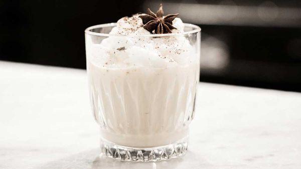 Egg fogg cocktail