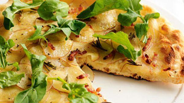 Potato, pancetta and rocket pizza