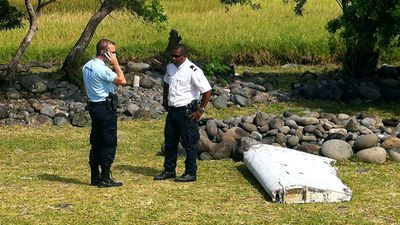 <p>Analysts say the debris that washed up on a French island in the Indian Ocean appears to belong to the same type of aircraft as missing Malaysian Airlines flight MH370, although it is still too early to be certain.</p>