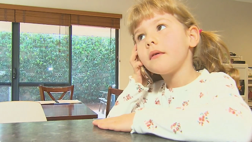 A six-year-old Perth girl has been hailed a hero after she called an ambulance for her mum who had suffered diabetic episode.